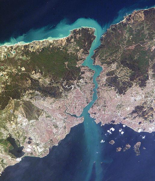 Tam boyut i�in resme t�klay�n.  Ad�:  515px-Istambul_and_Bosporus_big.jpg G�sterim: 64 Boyutu:  109.7 KB ID: 12786