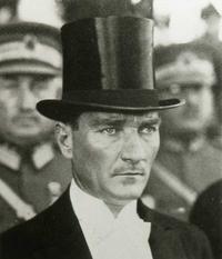 Ger�ek boyutunda g�r�nt�lemek i�in resme t�klay�n.  Ad�:  Kemal_Ataturk.png G�sterim: 123 Boyutu:  59.0 KB