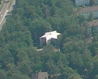 Ger�ek boyutunda g�r�nt�lemek i�in resme t�klay�n.  Ad�:  Karlsruhe_Synagoge_Luftbild.jpg G�sterim: 26 Boyutu:  17.0 KB