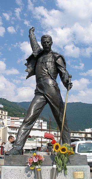 Tam boyut i�in resme t�klay�n.  Ad�:  309px-Freddy_Mercury_Statue_Montreux.jpg G�sterim: 11 Boyutu:  49.4 KB ID: 23552