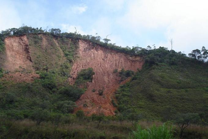 Ad:  800px-Landslide.jpg G�sterim: 82 Boyut:  54.8 KB