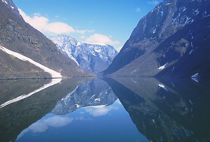 Ad:  Sognefjord_Norway.jpg G�sterim: 134 Boyut:  94.7 KB
