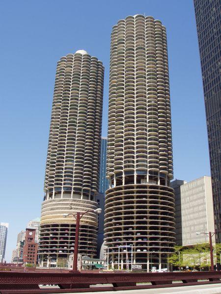 Ad:  Marina_City_Chicago.JPG Gösterim: 553 Boyut:  67.7 KB