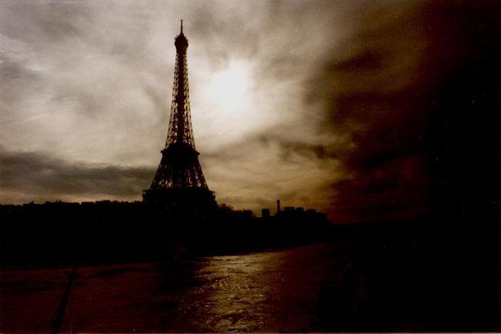 Ad:  Paris3.jpg G�sterim: 594 Boyut:  27.1 KB