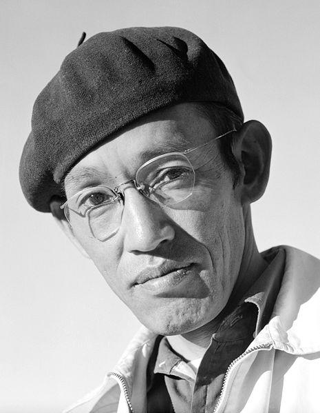 Ad:  465px-Manzanar_portrait_Toyo_Miyatake_00100u.jpg Gösterim: 146 Boyut:  39.7 KB
