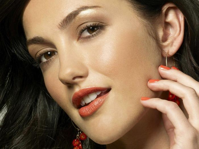 Ad:  beautiful-brunette-1024-768-6059.jpg Gösterim: 175 Boyut:  46.4 KB
