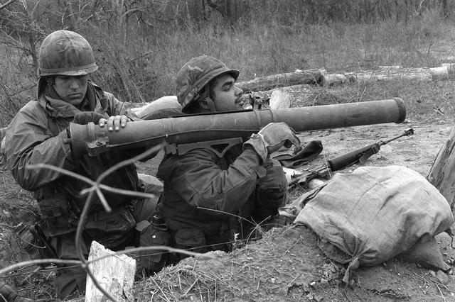 Ad:  M67_recoilless_rifle_01.jpg G�sterim: 627 Boyut:  66.2 KB