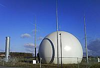 Biogaz (Biyogaz) Nedir? Nerelerde Kullan�l�r?-800px-biogasholder-and-flare.jpg