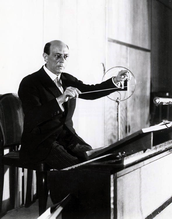 a biography of schoenberg Learn about arnold schoenberg: his birthday, what he did before fame, his family life, fun trivia facts, popularity rankings, and more family life he married mathilde zemlinsky in 1901 he changed the spelling of his surname from schönberg to schoenberg after relocating to the united states in 1934.