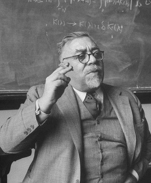 Ad:  Norbert Wiener.jpg Gösterim: 369 Boyut:  54.7 KB