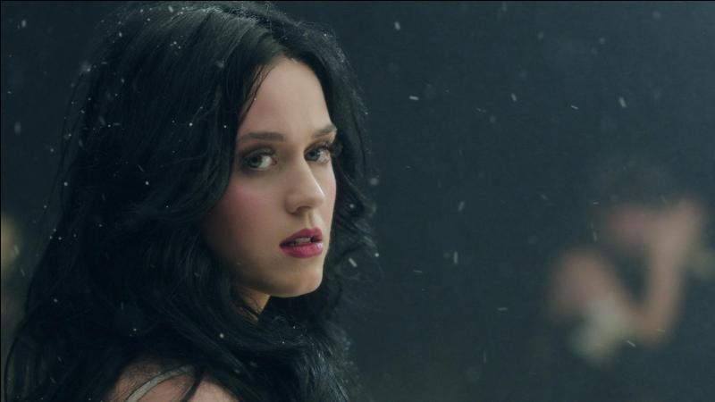 Ad:  Katy Perry8.jpg Gösterim: 187 Boyut:  24.5 KB