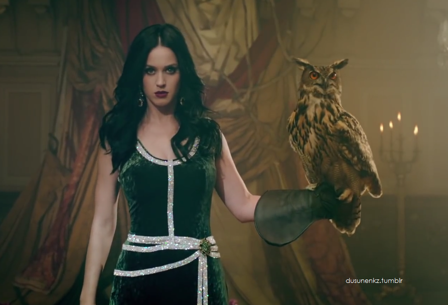 Ad:  Katy Perry10.png Gösterim: 260 Boyut:  813.7 KB