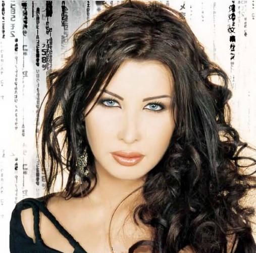 Ad:  Nancy Ajram.jpg G�sterim: 1447 Boyut:  75.5 KB