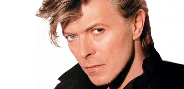 Ad:  David Bowie3.jpg G�sterim: 48 Boyut:  34.5 KB