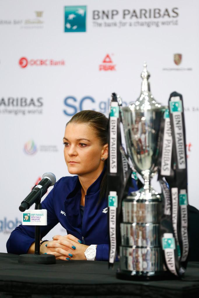 Ad:  Agnieszka+Radwanska+BNP+Paribas+WTA+Finals+CEUIcNzBy3Jx.jpg G�sterim: 13 Boyut:  134.6 KB