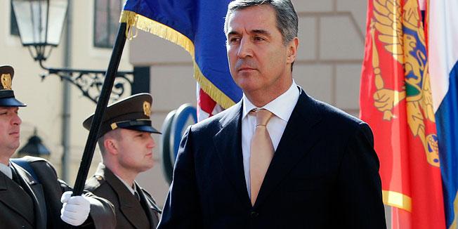 Eks-prezident yenidən prezident seçildi