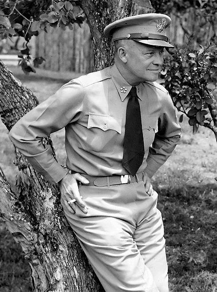 Ad:  445px-Dwight_D._Eisenhower_as_General_of_the_Army_crop.jpg