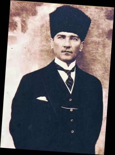 Ad:  Mustafa Kemal ATATÜRK.jpg Gösterim: 238 Boyut:  30.1 KB