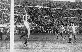 Ad:  Futbol Tarihi.jpg Gösterim: 839 Boyut:  19.0 KB