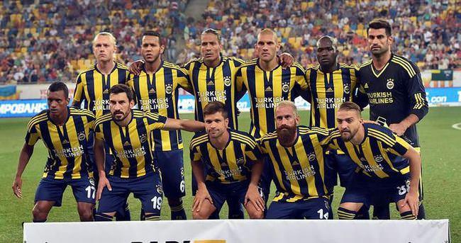 Ad:  Fenerbahçe'li Fotbolcular.jpg Gösterim: 1307 Boyut:  64.7 KB