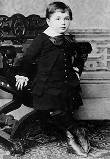 Ad:  Albert_Einstein_at_the_age_of_three_(1882).jpg G�sterim: 16 Boyut:  16.7 KB