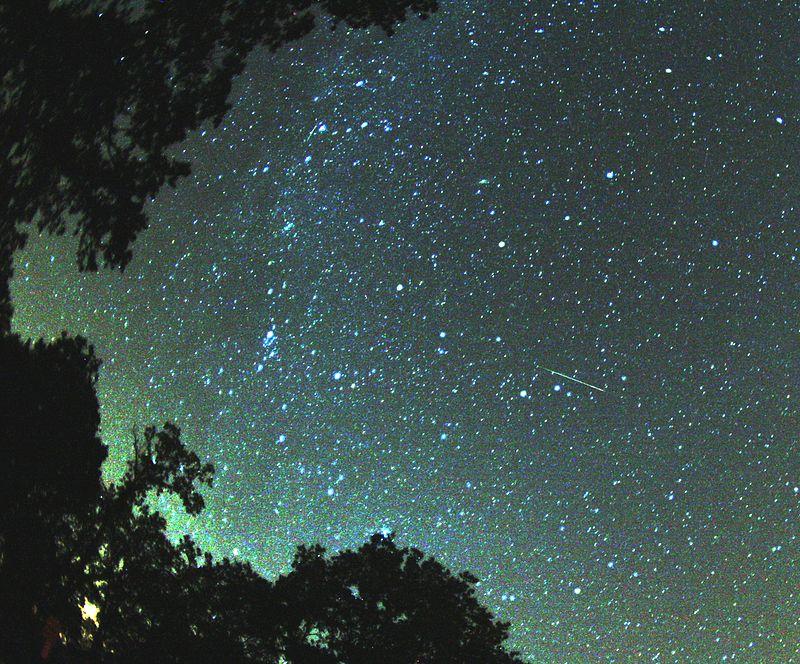 Ad:  Perseid_meteor_2007.jpg Gösterim: 294 Boyut:  150.7 KB