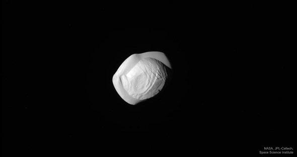 Ad:  Pan1_Cassini_1280.jpg Gösterim: 17 Boyut:  10.5 KB